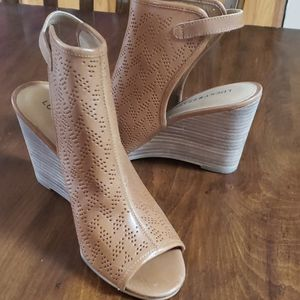 Lucky Brand wedges, 7.5